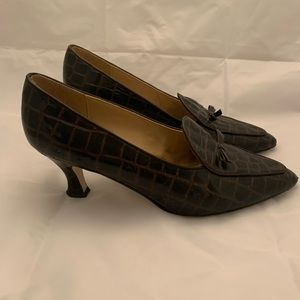 Liz Claiborne heals. Brown